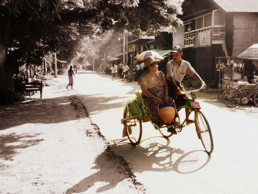 Ariadna Soto - Tailandia  - 1er - premio 2012