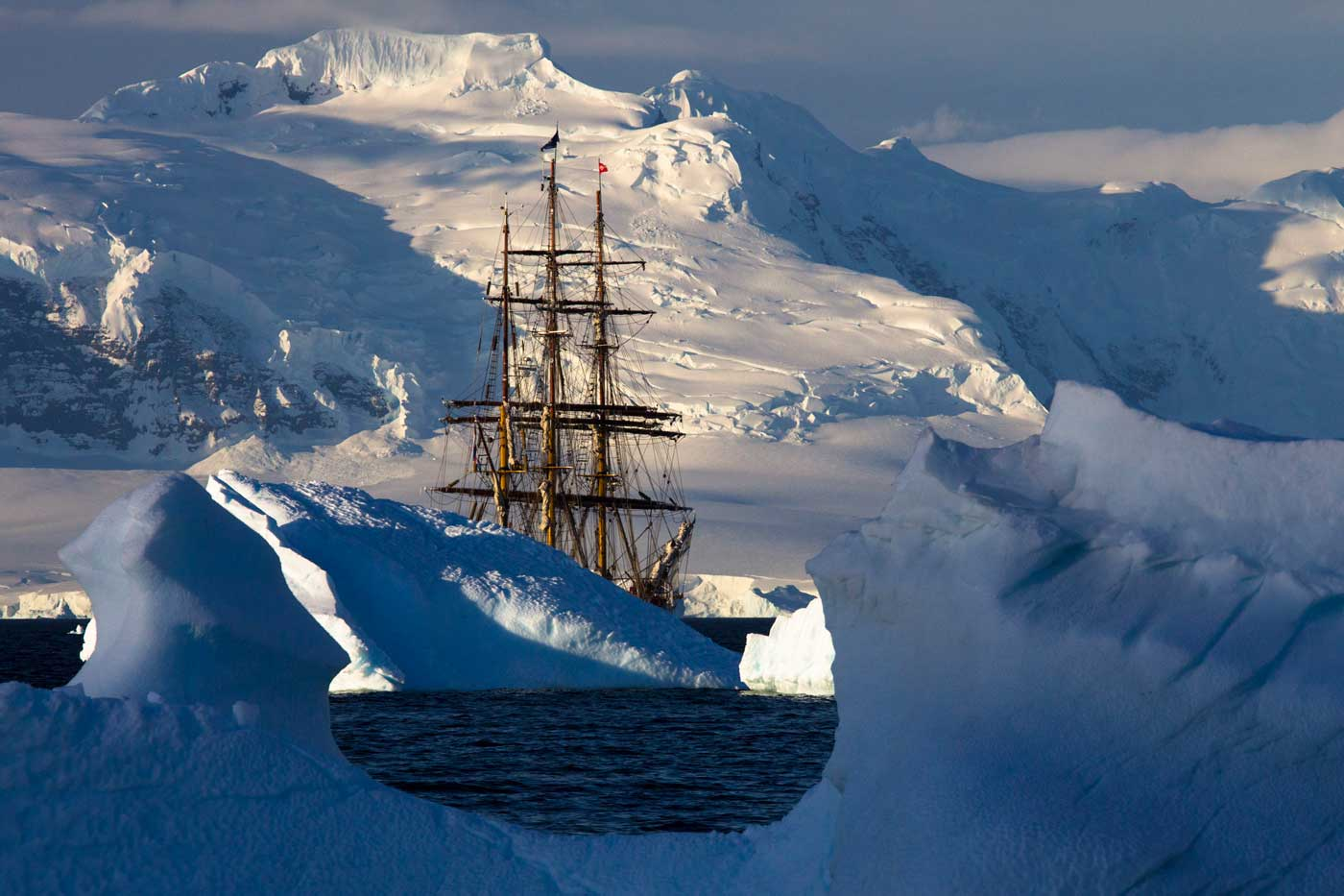 Bark Europa - Autor Javir Urbón - Foto realizada en la Antártida