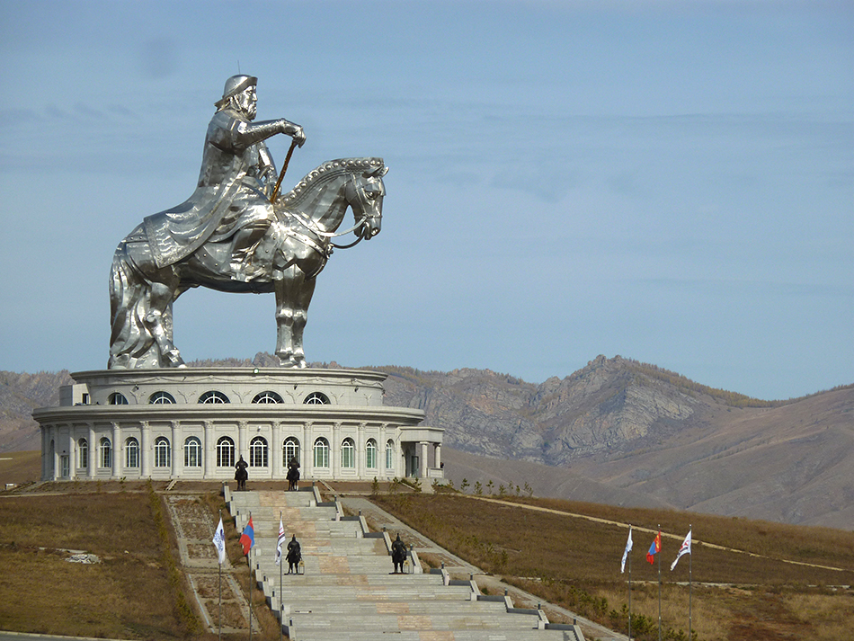 La imponente figura de Gengis Khan | Foto © Joan Bartomeu