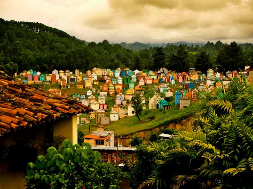 Cementerio de Chichicastenango (Guatemala) Foto Ángeles Aldariz Torreiro