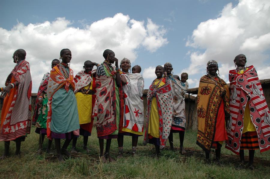 destinos-verano-Kenya-Mujeres-Masai-Alex-Lansac