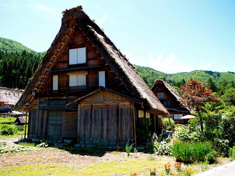 Casa de estilo gassho-zukuri en Shirakawago, Japón | Foto © Angeles Aldariz