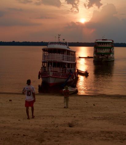 A partir de Manaos, remontamos el rio Negro hacia el área comprendida entre los ríos Cueiras y Apuaú ... <br> <a class=&acutevermellteula´>Seguir leyendo >>></a>