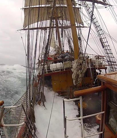<div>Manel Rius nos cuenta e imágenes su viaja a la Antártida en el bergantín Europa. A bordo la ... <br> <a class='vermellteula'>Seguir leyendo >>></a>