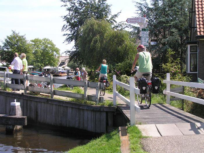 fotos del viaje a Holanda Especial familias navegando y en bici autor:Dutch bikes