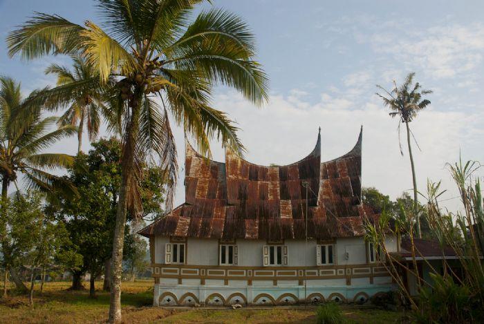 fotos del viaje a Indonesia Sumatra. Los minangkabau: comunidad matriarcal  autor:Anna Boyé