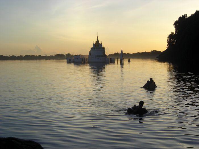 fotos del viaje a Myanmar  Año nuevo en Bagan, Yangon, Mandalay, Inle y minorías Kayah II autor:Esther Fernandez