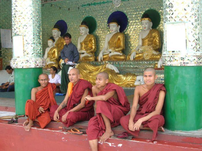 fotos del viaje a Myanmar  Año nuevo en Bagan, Yangon, Mandalay, Inle y minorías Kayah II autor:Rafael Llorens