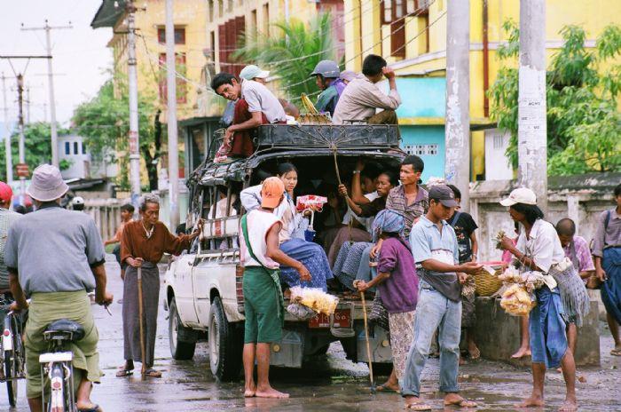 fotos del viaje a Myanmar  Año nuevo en Bagan, Yangon, Mandalay, Inle y minorías Kayah II autor:S. Sanchez