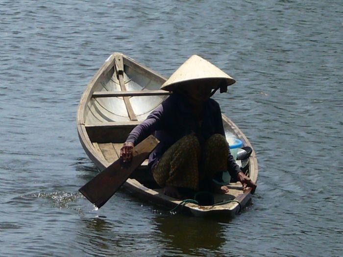 fotos del viaje a Vietnam y Angkor Minorías del norte, Halong, Hue, Delta y Angkor o Isla Phu Quoc autor:Miquel Rivero
