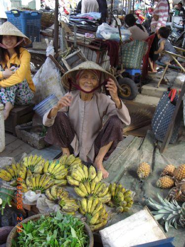 fotos del viaje a Vietnam y Angkor Minorías del norte, Halong, Hue, Delta y Angkor o Isla Phu Quoc autor:Neus Andres