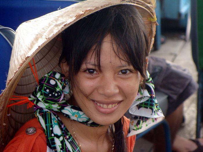 fotos del viaje a Vietnam y Angkor Minorías del norte, Halong, Hue, Delta y Angkor o Isla Phu Quoc autor:Juan Izquierdo