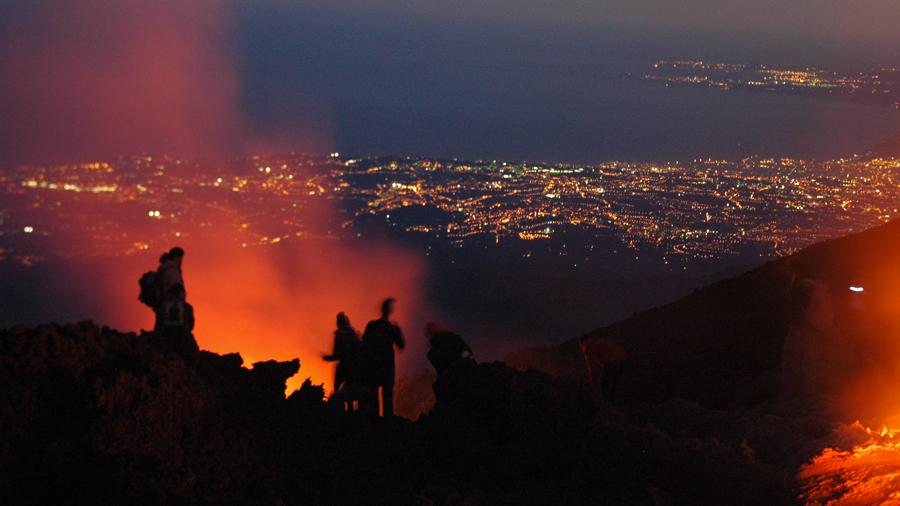 Viaje a Sicilia. Volcán Stromboli. Autor archivo Tuareg