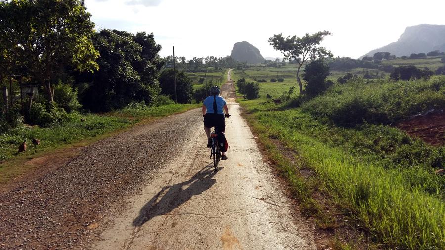 Cuba en bicicleta   Foto © Isi Juvé