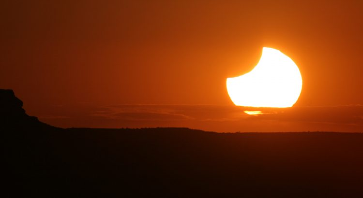 Eclipse anular en Monument Valley, USA, 2012 | Foto © Josep Masalles
