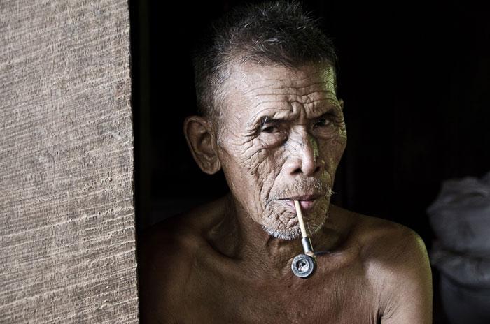 Hombre en Tailandia. Viatges Tuareg. Foto por Anna Burgués