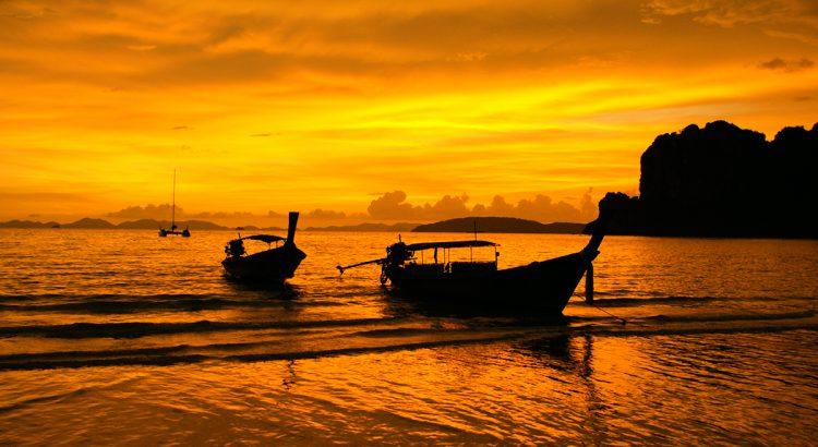 Atardecer en las playas de Krabi | Foto © Marta Castella