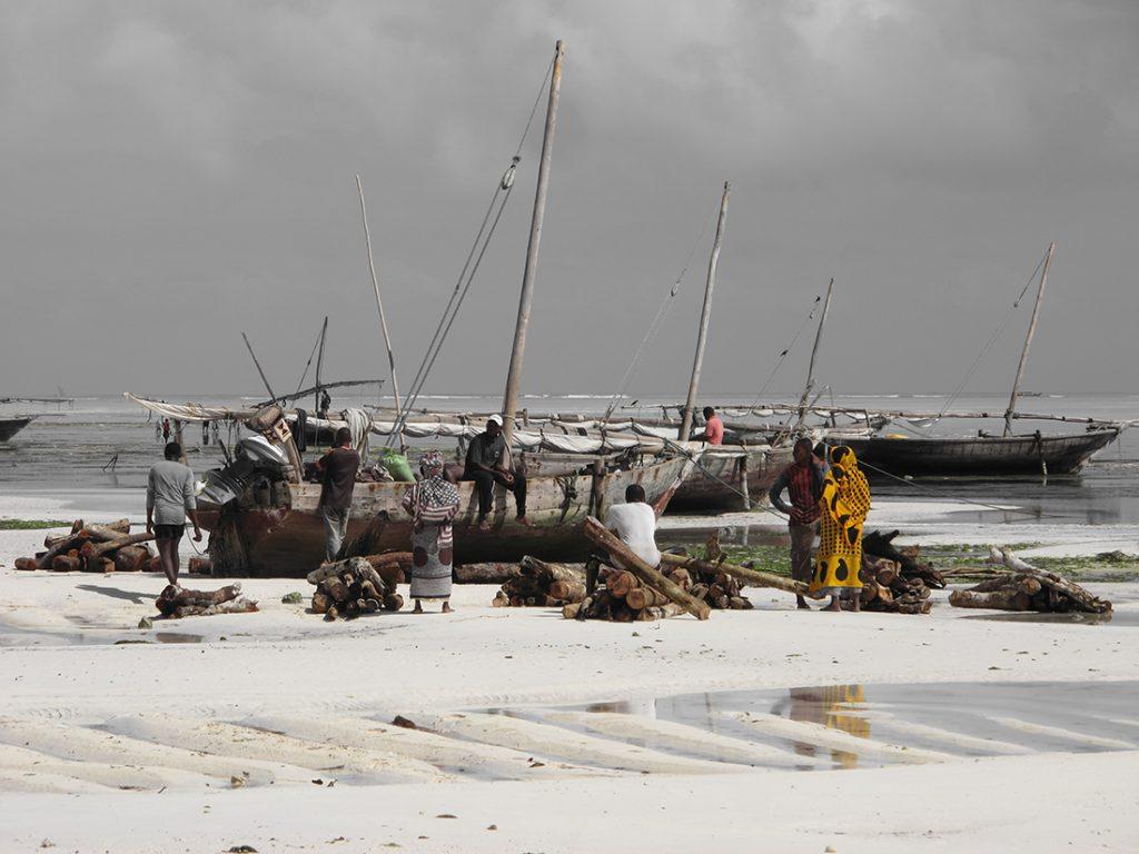 Pescadores en la Isla de Zanzíbar   Foto © Victor Tudela