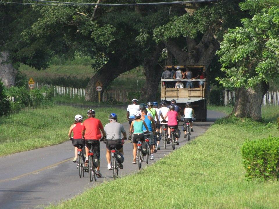 Descubriendo Cuba en bicicleta. Fotografía de Isi Juvé