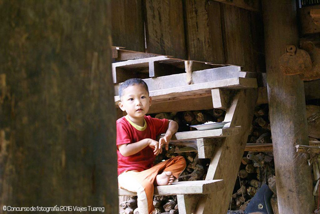 Fotografía de Ada Llobet efectuada en los poblados del trekking a Tailandia