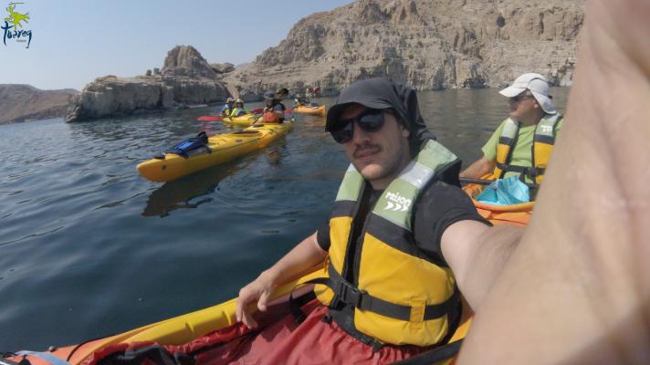 En kayak por Oman