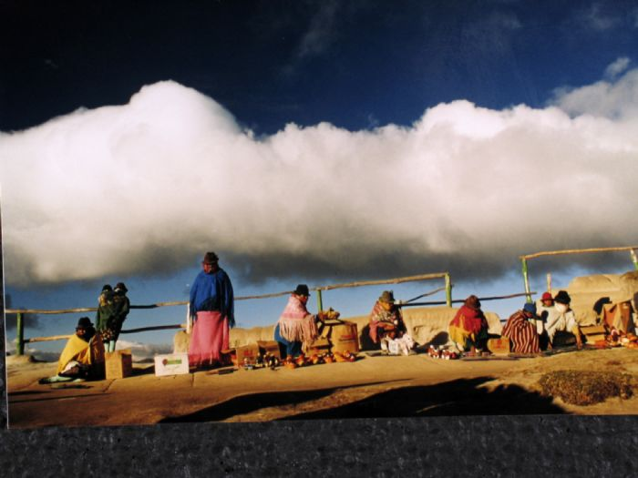 Avenida de los Volcanes, mercados, ciudades coloniales y avistamiento de ballenas | Autor B. Ferrer